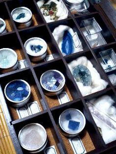 Crystals Minerals, Rocks And Minerals, Stones And Crystals, Accessories Display, Interior Accessories, Eagle Images, Rocks And Gems, Ravenclaw, Fossils