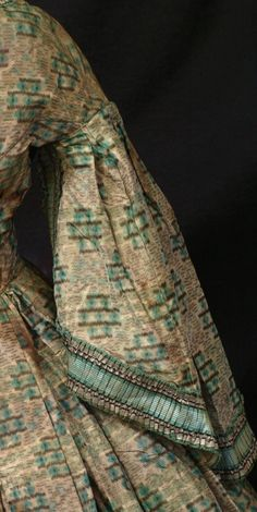 """Exceptional Design CIVIL WAR ERA Pagoda SLV Full Skirt Fitted TOP Antique Study 