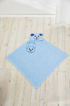 5 adorable projects, in the hoop, and 11 pop-up-embroideries with fun animals for your children or grandchildren. Embellish clothes, blankets and/or bags! Hoop sizes from 240x150 up to 360x350