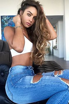 Fitness Model Sommer Ray And Her Juicy Jiggly Booty! Fit Women, Sexy Women, Summer Ray, Cute Comfy Outfits, Cute Girl Photo, Bad Girl Aesthetic, Woman Crush, Gorgeous Women, Beautiful