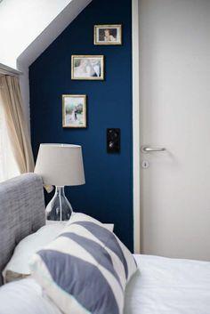 Mir gefällt das Gold in Kombination mit dem Blau der Wand sehr gut.