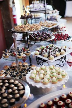 [tps_header][/tps_header] Wedding Catering Trends: Top 8 Wedding Dessert Bar Ideas One of the hottest trends right now – small personalized desserts! Don't order a cake, just go for a huge variety of mini desserts s. Dessert Party, Buffet Dessert, Dessert Bar Wedding, Wedding Sweets, Wedding Cakes, Dessert Ideas, Food Buffet, Wedding Reception, Wedding Dessert Tables