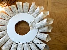 Page Wreath Tutorial Book Page Wreath Tutorial - Vintage, Paint and more.Book Page Wreath Tutorial - Vintage, Paint and more. Old Book Crafts, Book Page Crafts, Newspaper Crafts, Crafts To Do, Baby Crafts, Geek Crafts, Newspaper Dress, Book Page Art, Book Pages