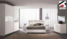 Spar | Camera Sogno in stile contemporaneo con decori argento e inserti di strass, letto imbottito e trittico bombato. Prezzo da affare.