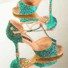 😍😍🔝 #unavitaperladanza #dancesportshoes #danceshoes #Swarovski #strass #shoes #latinshoes #ballroomshoes #decorazioni #instadance #ilovedance #dancewear #atelier #ballroom #dancelife #dance #scarpedaballo #dancenaturals #dancenaturalshoes