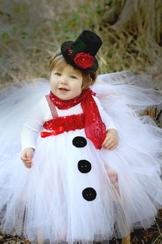Chel - Do you like this?  12mo picture idea or party day outfit?  Beautiful Snowman Tutu Dress and Snowman Hat by AverysCoutureLook