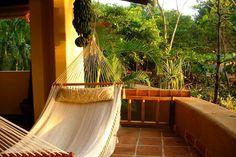 Além de se casar na sua casa de férias na Costa Rica com Tom Brady, a super-modelo Gisele Bündchen também passou aí a sua lua de mel. #casamento #luademel #CostaRica #famosos