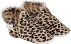 Petit Nord Leopard shoes Noir 19EUR-3UK,23EUR-6UK Fabrics : Horse hair Fabrics : Leather Sole, Leather Sole Details : anti-skid Made in : Portugal This size is normal Composition : 100% Leather http://www.comparestoreprices.co.uk/january-2017-7/petit-nord-leopard-shoes-noir-19eur-3uk-23eur-6uk.asp