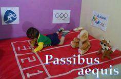 Passibus aequis : Num passo cadenciado : At an even pace