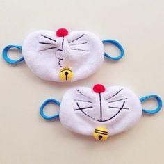 口にかけたらドラえもんに変身!? 赤い鼻にひげ付きの「ドラえもんマスク」がかわいい - ねとらぼ Small Sewing Projects, Sewing For Kids, Sewing Crafts, Felt Crafts, Diy And Crafts, Crafts For Kids, Diy Mask, Diy Face Mask, Sewing Tutorials