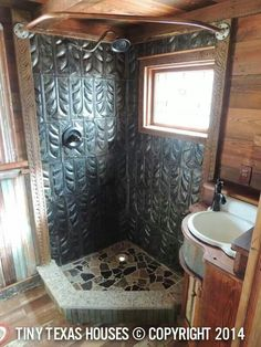 This house is called the Hill Ranch House and sits in a beautiful ranch in Texas. Cabin Bathrooms, Upstairs Bathrooms, Rustic Bathrooms, Small Bathroom, Shower Remodel, Bath Remodel, Tin Shower, Tiny Texas Houses, Rustic Bathroom Designs