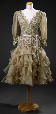Vestido de organza. Museu Nacional do Traje e da Moda. MatrizNet