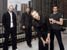 Listen to music from Coldplay like The Scientist, Viva la Vida & more. Find the latest tracks, albums, and images from Coldplay. Coldplay Band, Coldplay Music, Coldplay Live, Chris Martin Coldplay, Good Music, My Music, Tv Show Music, Look At The Stars, Ladies Night