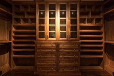 Beautiful Walnut closet #davidjamescustombuilder #3743tangley #mastercloset #closet #houston #texas #westu #westuniversity #walnutcloset #walnutwood #interiordesign #the_real_houses_of_ig #custombuilder #carpentry