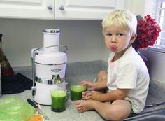 Juicing for kids Juice Smoothie, Smoothies, Juice Recipes For Kids, Kids Running, Juicing, Get Healthy, Kids Meals, Bliss, Detox
