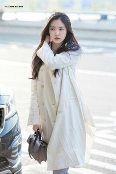 Pop Fashion, Fashion Beauty, Womens Fashion, Apink Naeun, Son Na Eun, Airport Style, Bts Airport, Girl Crushes, South Korean Girls