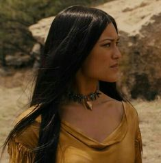 Julia Jones is an American model and actress of Choctaw and Chickasaw descent. Julia Jones, Native American Models, Native American Beauty, American History, American Indian Girl, American Indians, American Symbols, Native Indian, Indian Beauty