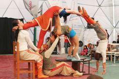 La organización sin fines de lucro Circo Social del Sur utiliza las artes circenses como una herramienta para transformar la sociedad, impulsando el desarrollo de jóvenes provenientes de zonas con bajos recursos.