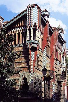 Antoni Gaudi Architecture