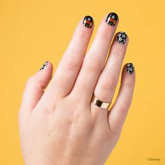 'Bashful & Blooms' refuses to go unnoticed with Disney's Minnie Mouse and dazzling daisies over a midnight finish.