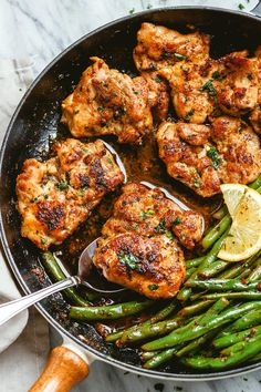 Garlic Butter Chicken and Green Beans Skillet - - So addicting! This skillet chicken recipe is a snap to fix and cook. - byLemon Garlic Butter Chicken and Green Beans Skillet - - So addicting! This skillet chicken recipe is a snap to fix and cook. Chicken Skillet Recipes, Healthy Chicken Recipes, Cooking Recipes, Keto Chicken Thigh Recipes, Keto Chicken Thighs, Chicken And Bean Recipe, Chicken Thighs And Green Beans Recipe, Chicken Breasts, Garlic Chicken Thighs Recipe