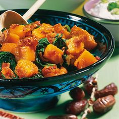 Pumpkin with Dates and Spinach. YUM!!! Kürbis mit Datteln und Spinat