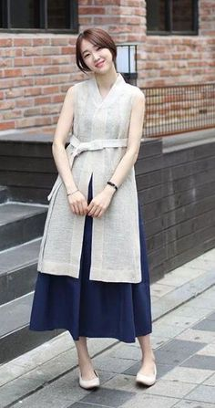 555 best minimal dress images in 2019 Korea Fashion, Asian Fashion, Look Fashion, Hijab Fashion, Fashion Dresses, Womens Fashion, Fashion Design, Korean Traditional Clothes, Traditional Dresses