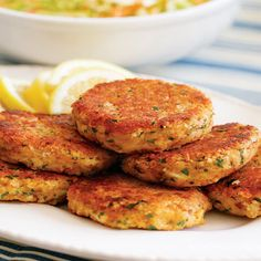 Machli Ki Tikki Recipe by Chef Zakir - Pakistani Chef Recipes Chef Recipes, Potato Recipes, Kebab Recipes, Easy Recipes, Cooking Recipes, Fish Kabab, Indian Veg Recipes, Ethnic Recipes, Kitchens