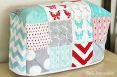 Quilted Sewing Machine Cover Tutorial by Sew Delicious
