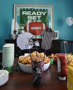 Florida State football party ideas - Super Bowl ideas too! Fear the Spear - Football Birthday Party Ideas, Food, Decor and Activities Football Favors, Football Tailgate, Football Themes, Football Birthday, Chocolate Covered Pretzel Sticks, Florida State Football, Some Fun, Birthday Party Themes, Super Bowl