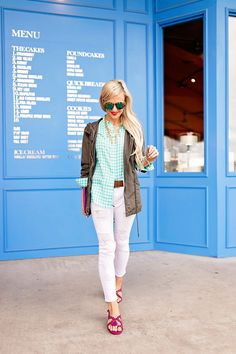 aqua gingham button down + white skinny jeans  |  Vandi Fair