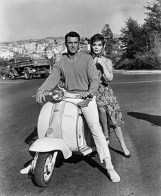 Rock Hudson and Gina Lollobrigida, together on a motorscooter in a scene from the film 'Come September', Get premium, high resolution news photos at Getty Images Retro Scooter, Lambretta Scooter, Gina Lollobrigida, Nostalgia, Rock Hudson, Serge Gainsbourg, Stock Foto, Hollywood, Tv Actors