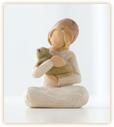 Demdaco Willow Tree Collection - Kindness (girl figurine with cat) 26218 Willow Tree Statues, Willow Figurines, Wooden Figurines, Willow Tree Familie, Willow Tree Engel, Willow Tree Figuren, Collectible Figurines, Cat Gifts, My Collection