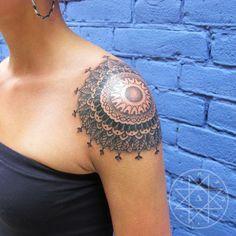 http://galeria.obviousmag.org/recortes/tatuagens/tatuagens-femininas/page/18