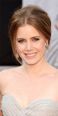 AMY ADAMS photo | Amy Adams and other best hairstyles at the oscars
