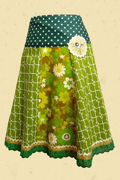 Love the quirky pattern mix of this skirt.