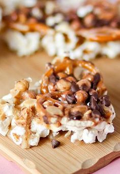 Looking for a snack to serve to your friends and family this weekend? Get your family in the kitchen and whip up a batch of these Peanut Brittle Bark that is a delicious combination of sweet and savory that will leave your guests smiling.