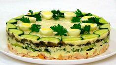 Sātīgi un oriģināli salāti tortes formā. Salad Recipes Video, Snack Recipes, Cooking Recipes, Snacks, Ukrainian Recipes, Russian Recipes, Sandwich Cake, Home Food, Salmon Burgers