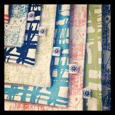 diseño estampados para almohadones, bolsos, cajas, necessaires....muy lindos!  http://tiendaplot.blogspot.com.ar/