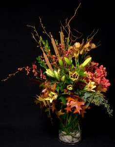 See our entire selection of weekly flowers in NYC at www.starflor.com.  To purchase any of our floral selections, as gifts or décor, please call us at 800.520.8999 or visit our e-commerce portal at www.Starbrightnyc.com. This composition of flowers is generally available for same day delivery in New York City (NYC). WF032