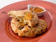 Juustoteeleivät New Flavour, My Recipes, Muffin, Baking, Breakfast, Food, Bread Making, Breakfast Cafe, Muffins