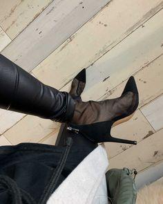Look of from 19 November, 2019 Camille Callen, November 2019, Zara, 21st, Women's Fashion, Buttons, Shoe Bag, Heels, Boots