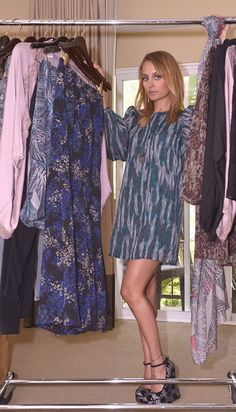Nicole Richie number one fashion and lifestyle fan website. All about Nicole Richie News. The longest standing fan website around for Nicole Richie. Qvc Shopping, Flowy Shorts, Nicole Richie, Fashion Plates, Chic Outfits, Ideias Fashion, Short Dresses, Kimono Top, Style Inspiration
