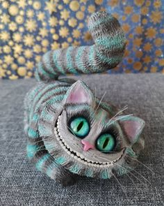 Cheshire Cat Figurine/Polymer clay Cheshire Cat toy/Alice in Wonderland Figurine Alice In Wonderland Figurines, Alice In Wonderland Party, Newt Scamander Harry Potter, Newt Scamander Cosplay, Harry Potter Cosplay, Wet Brush, Clay Figurine, Clay Flowers
