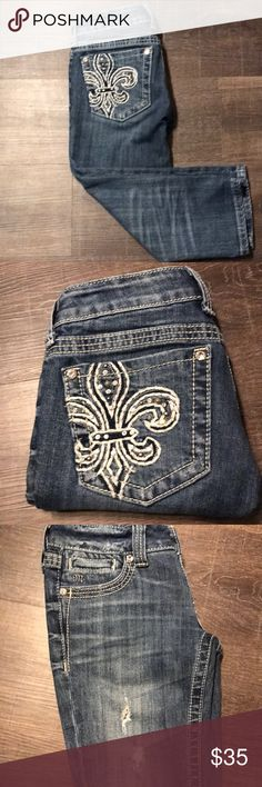 Miss Me capris Gorgeous capris in excellent used condition. Distressed look. Beautiful design Miss Me Jeans Ankle & Cropped