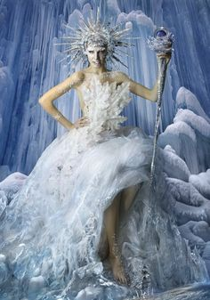 Queen of ice and snow / karen cox. - Xmas Ice Queen by DDiArte Foto Fantasy, Fantasy Dress, Fantasy Hair, Snow Fairy, Winter Fairy, Snow And Ice, Fire And Ice, Halloween Kostüm, Halloween Costumes