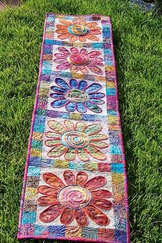Your place to buy and sell all things handmade Table Runner And Placemats, Quilted Table Runners, Quilting Projects, Sewing Projects, Art Quilting, Orange And Turquoise, Orange Pink, Cat Quilt, Mug Rugs