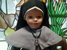 Mary-knoll-sisters-NUNS-DOLLS-nun-Habit-catholic-nun-religious-habit