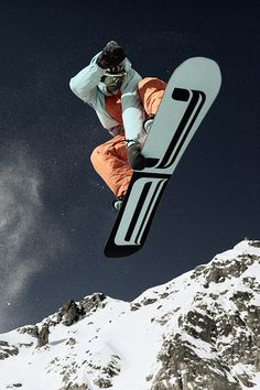 Snowboarding Style, Ski And Snowboard, Snow Holidays, Extreme Sports, Winter Sports, Skate, Skiing, Seasons, Activities