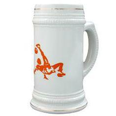 Bierpul met oranje voetballer bij de Oranjeshop.